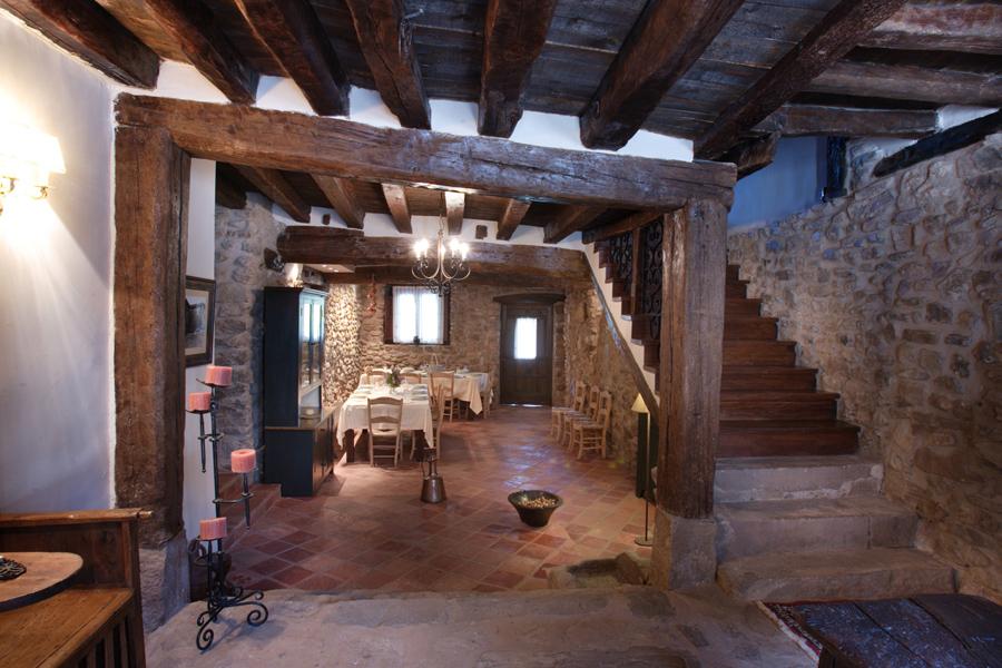 La casona del pastor la casona del pastor una casa rural con encanto en la rioja alta - Casa rural catalunya piscina interior ...
